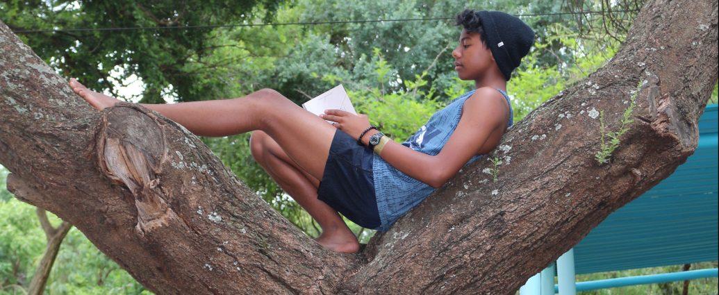 ashton reading
